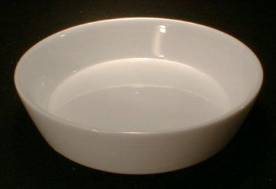 Round White Plain Edge Porcelain Quiche, 5.5 in.