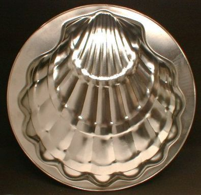 Scallop Shell Cake Pan, Tinned Steel, 11 in.