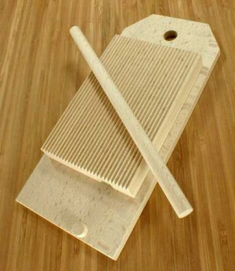 Beechwood Garganelli Pasta Board with Hanging Base