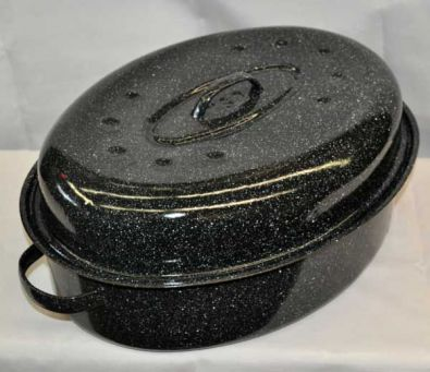 GraniteWare Oval Roaster With Lid, 15-18 Lbs