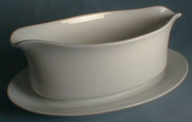 HIC Porcelain Gravy Boat With Fixed Plate